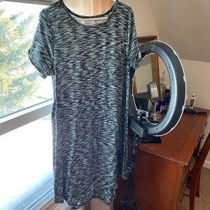 LuLaRoe Carly Size Large, worn less than 5 times